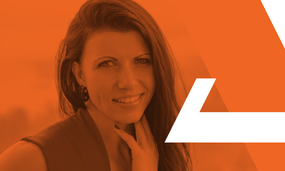 How to Create Impact Online with Leah Coss – Episode 020